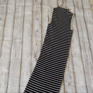 Ribbed Turtleneck Sleeveless Midi- S. **A52A **
